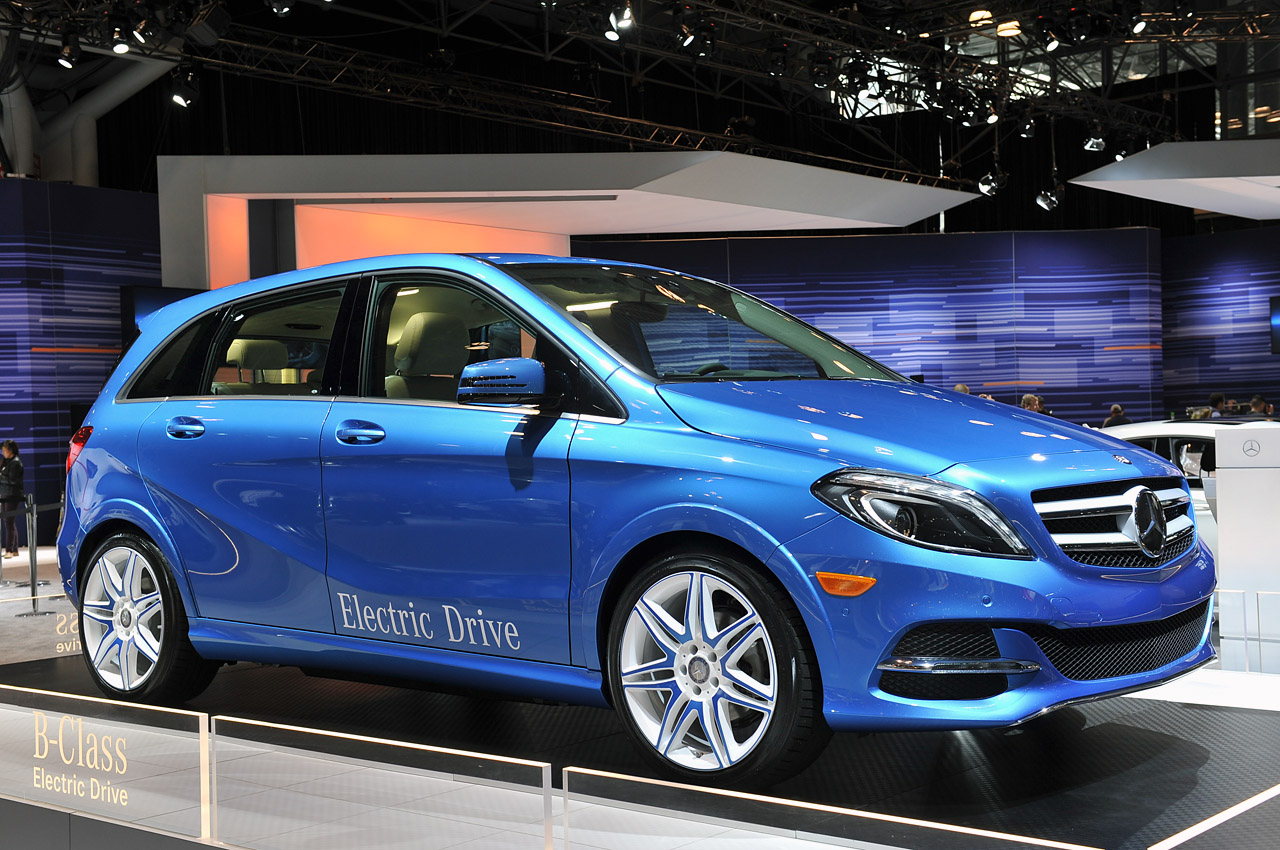 2014 mercedes benz b class electric drive is headed for us for Mercedes benz southampton ny