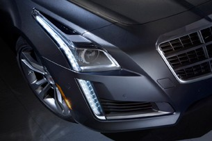 2014 Cadillac CTS headlamp detail