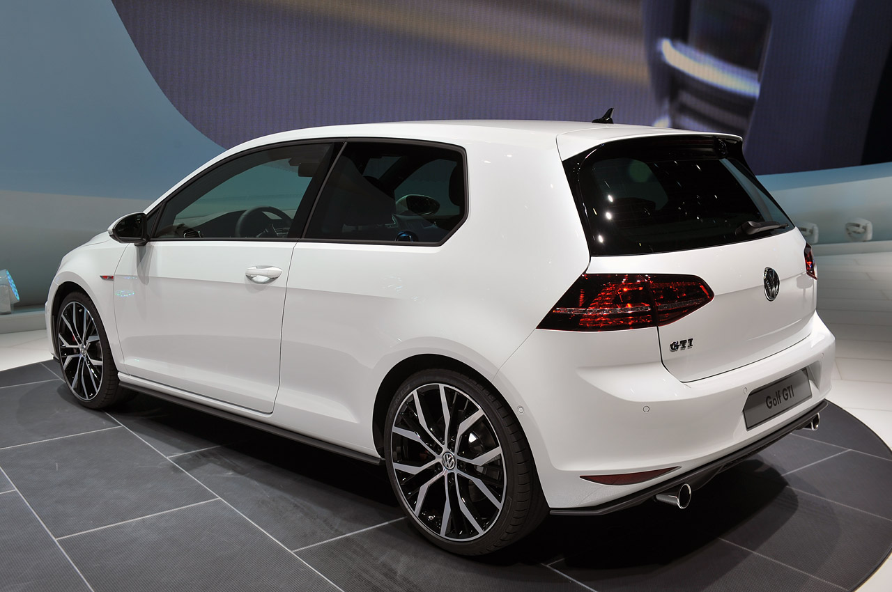 2014 volkswagen gti geneva 2013 photo gallery autoblog. Black Bedroom Furniture Sets. Home Design Ideas