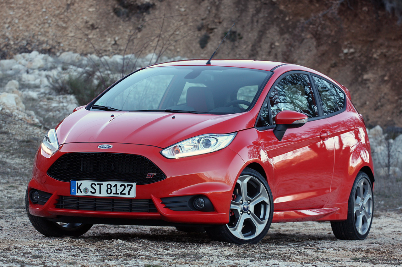 2014 ford fiesta st first drive photo gallery autoblog. Black Bedroom Furniture Sets. Home Design Ideas