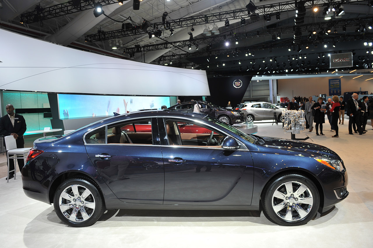 2014 buick regal new york 2013 photo gallery autoblog. Black Bedroom Furniture Sets. Home Design Ideas