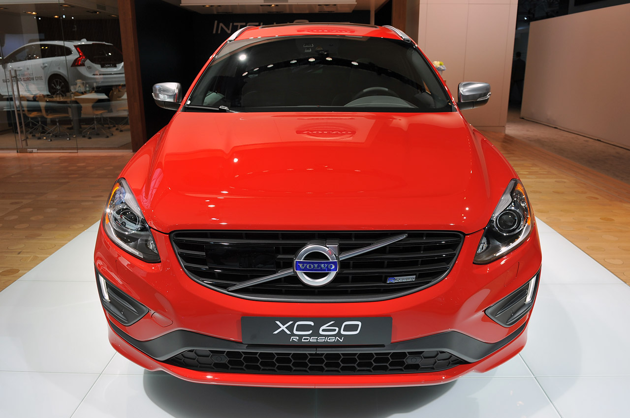volvo rolls out new r design versions of s60 xc60 and new v60 html autos weblog. Black Bedroom Furniture Sets. Home Design Ideas