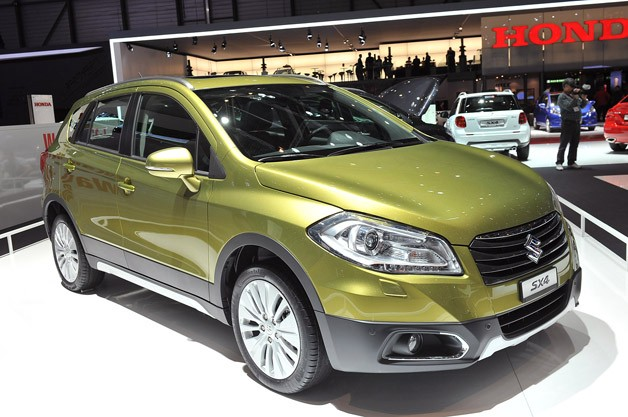 2013 Suzuki SX4 - live on show stand at 2013 Geneva Motor Show
