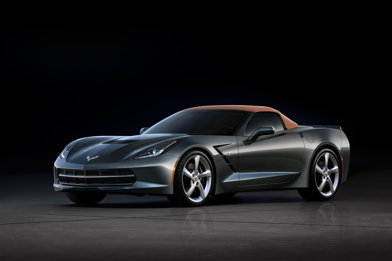 2014 chevrolet corvette c7 convertible offers a few more views before. Cars Review. Best American Auto & Cars Review