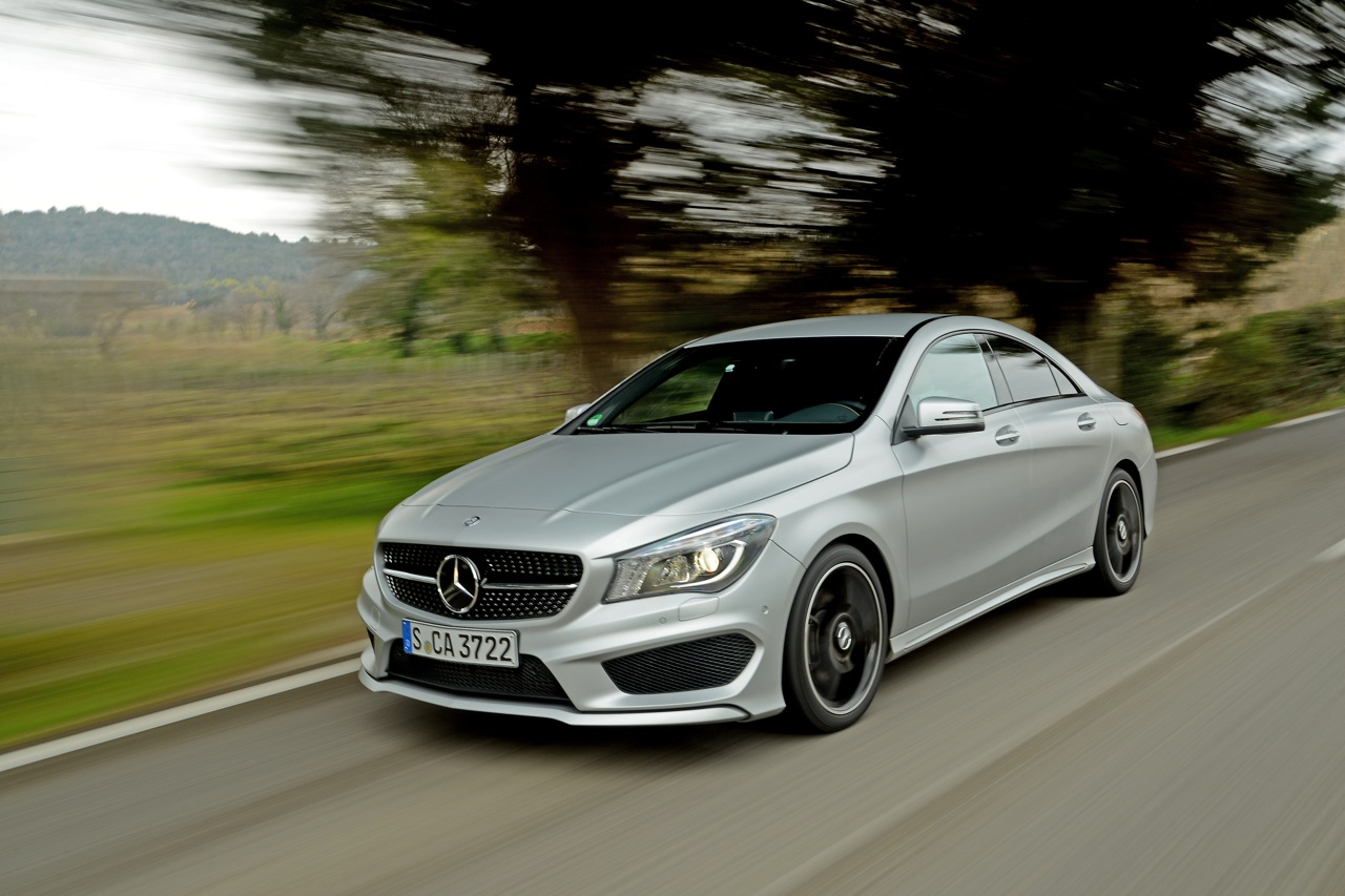 2014 mercedes benz cla 250 sport autoblog for Benz mercedes cla