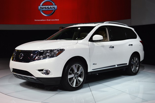 2014 Nissan Pathfinder Hybrid arrives with supercharged engine, 26 mpg ...