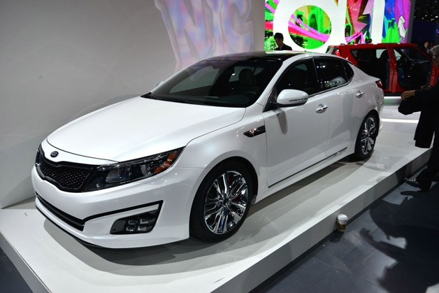 KIA MOTORS AMERICA INTRODUCES REFRESHED 2014 OPTIMA AT NEW YORK