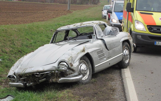 Wrecked Mercedes-Benz 300 SL Gullwing