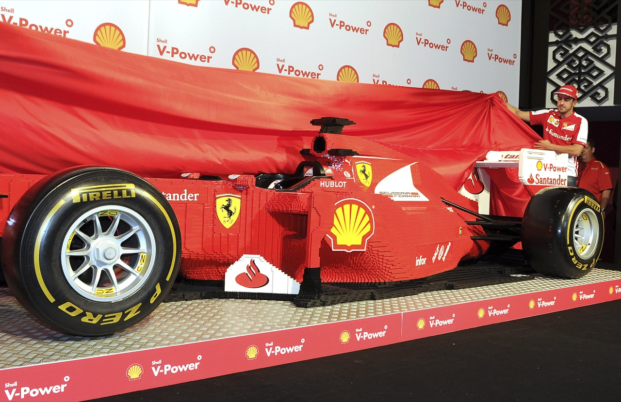 lego ferrari formula 1 car unveiled in australia autoblog. Black Bedroom Furniture Sets. Home Design Ideas