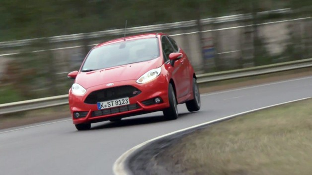 Ford Fiesta ST on the track - video