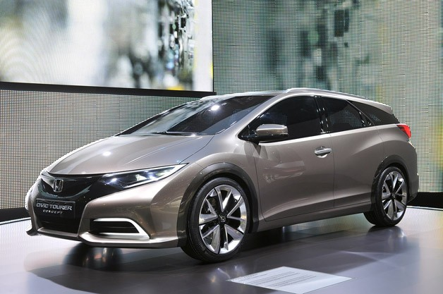 Honda Civic Tourer Concept - front three-quarter view, Geneva Motor Show premiere