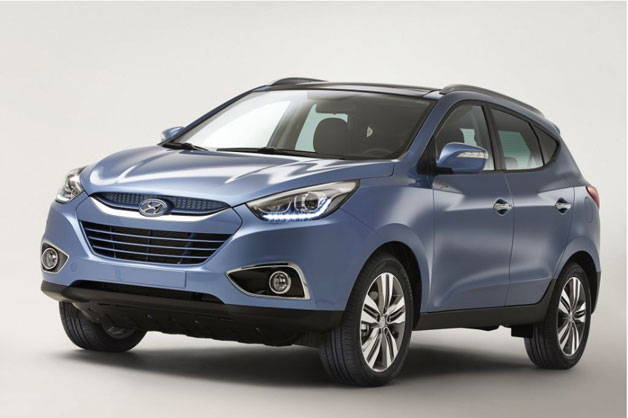 Updated 2014 Hyundai ix35/Tucson - front three-quarter view