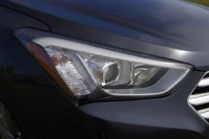 2013 Hyundai Sante Fe headlight