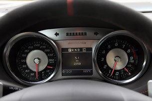 2014 Mercedes-Benz SLS AMG Black Series gauges