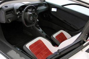 2014 Volkswagen XL1 interior