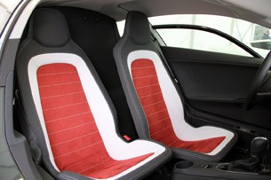 2014 Volkswagen XL1 seats