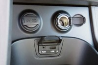 2013 Hyundai Sante Fe AUX and USB input