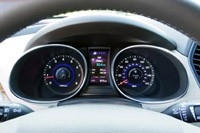 2013 Hyundai Sante Fe gauges