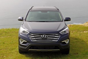 2013 Hyundai Sante Fe front view