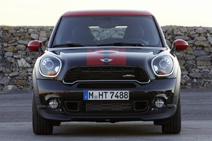 2014 Mini John Cooper Works Paceman All4  front view