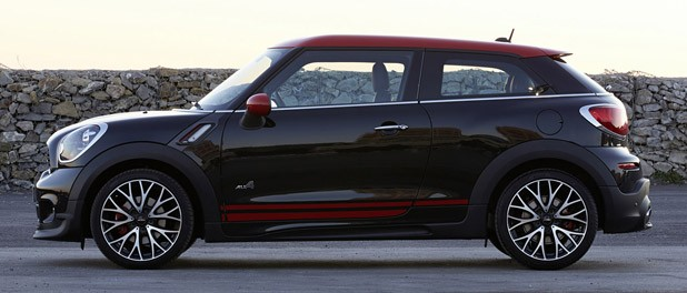 2014 Mini John Cooper Works Paceman All4  side view