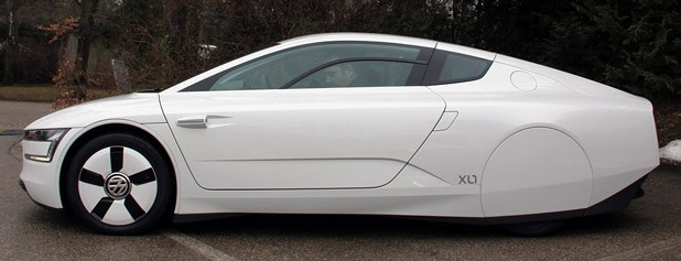 2014 Volkswagen XL1 side view