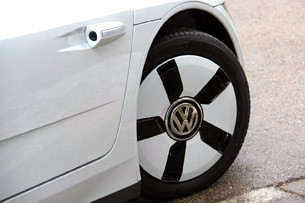 2014 Volkswagen XL1 wheel