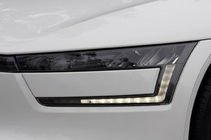 2014 Volkswagen XL1 headlight