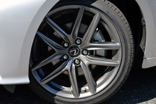 2014 Lexus IS350 F-Sport wheel
