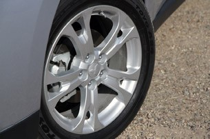 2014 Mitsubishi Outlander wheel