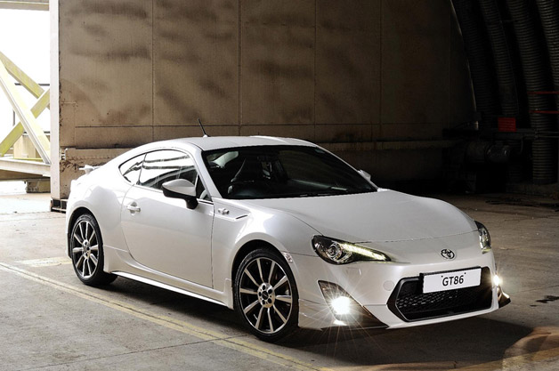 2013 Toyota GT86 TRD - front three-quarter view