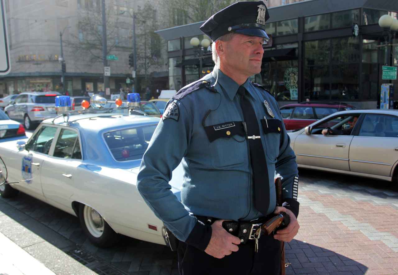 Used Luxury Cars Seattle >> 1970 Plymouth Satellite Police Cruiser Photo Gallery - Autoblog