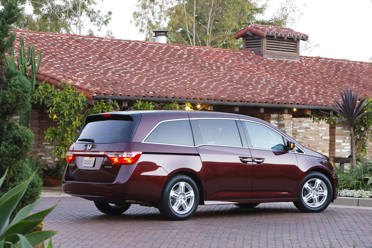 honda with van entertainment odyssey l dvd ex paul used leather rear mn sale exl exlexlwithdvdrearentertainmentleathermoonroof for moonroof saint