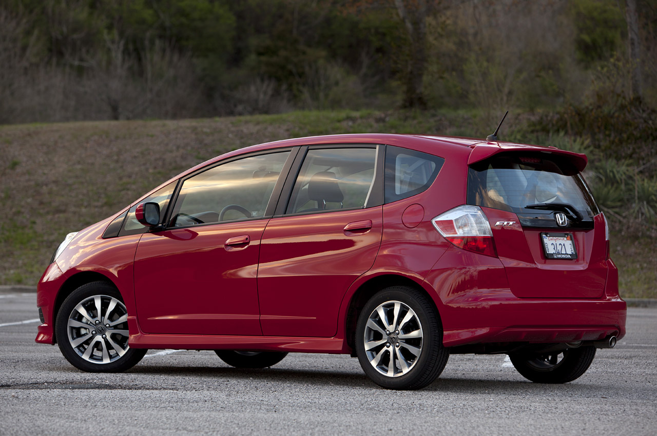 2013 honda fit sport review autos weblog. Black Bedroom Furniture Sets. Home Design Ideas