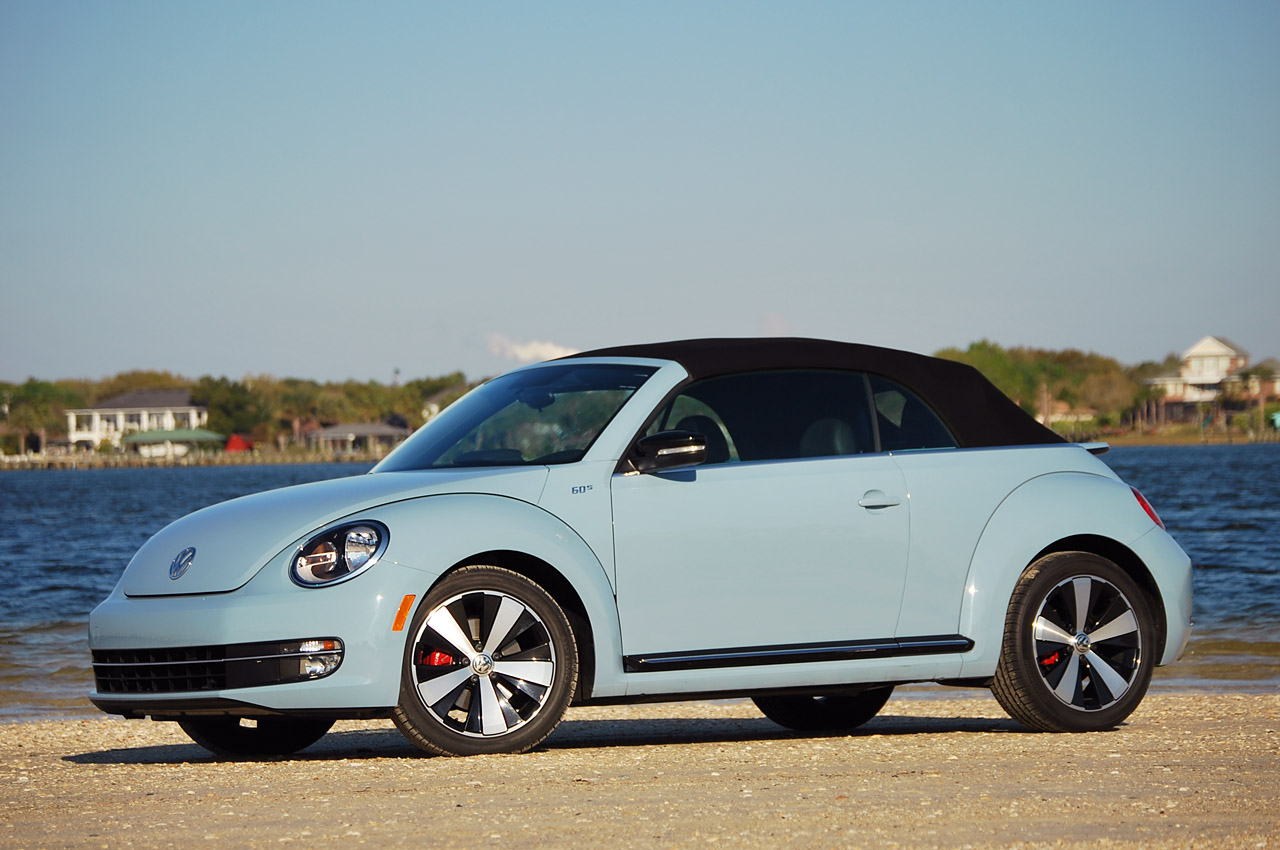 2013 volkswagen beetle turbo convertible review photo gallery autoblog. Black Bedroom Furniture Sets. Home Design Ideas
