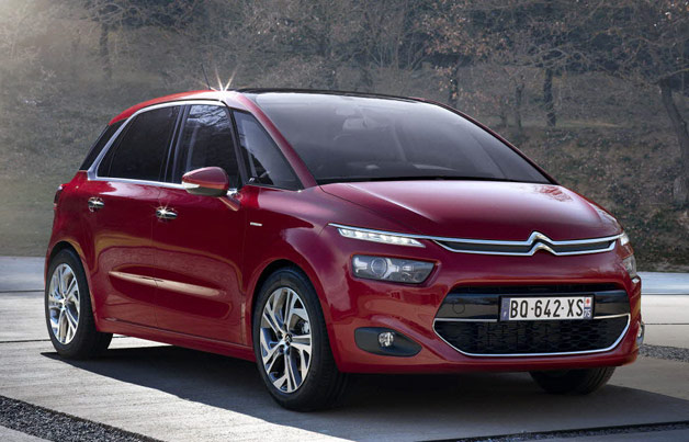 2014 Citroen C4 Picasso - front three-quarter view