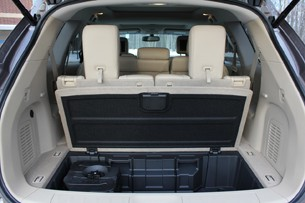 2013 Nissan Pathfinder storage area under load floor