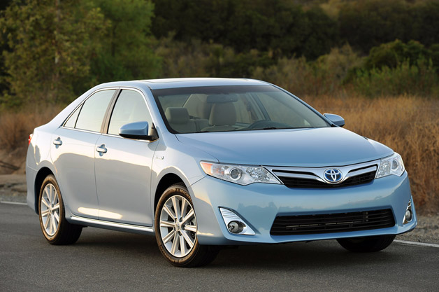 2013 Toyota Camry Hybrid - front three-quarter view