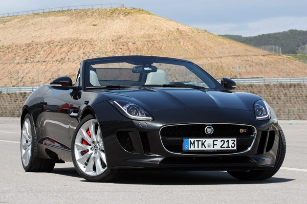 2014 Jaguar F-Type - front three-quarter view, charcoal