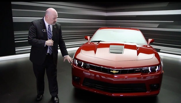 2014 Chevrolet Camaro SS walkaround video with Camaro marketing manager John Fitzpatrick - video screencap