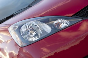 2013 Honda Fit Sport headlight