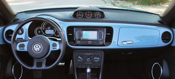 2013 Volkswagen Beetle Turbo Convertible interior