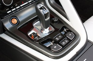 2014 Jaguar F-Type gear selector