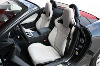2014 Jaguar F-Type seats