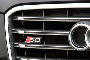 2013 Audi S8 grille