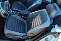 2013 Volkswagen Beetle Turbo Convertible front seats