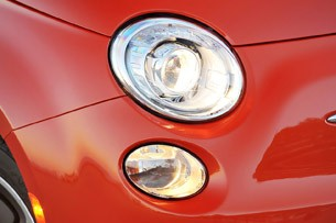2014 Fiat 500e headlights