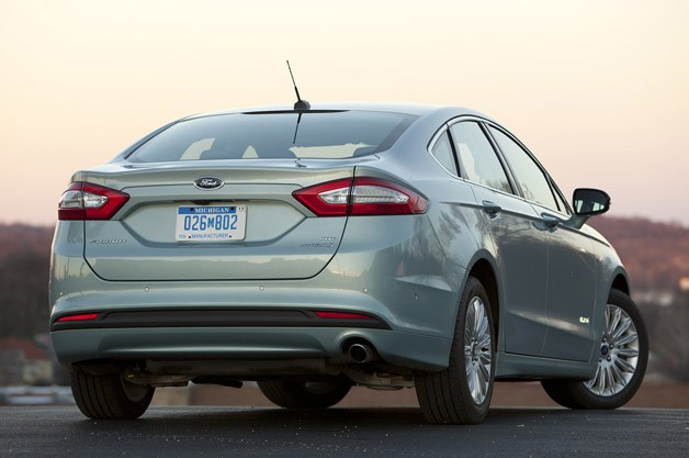 2013 Ford Fusion Hybrid rear 3/4 view