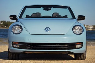 2013 Volkswagen Beetle Turbo Convertible front view