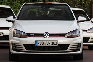 2015 Volkswagen Golf GTI front view